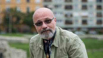 Zacher Gábor: Az oltástól nem lesz három fülünk