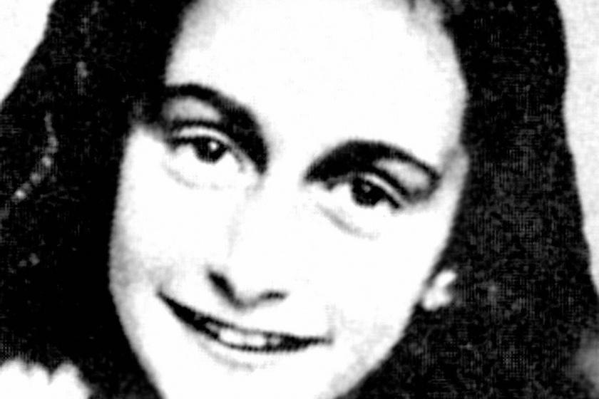 Ebben a házban bujkált Anne Frank és családja - Ma 92 éve született a lány, aki sohasem nőhetett fel
