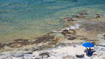 Lecsapnak a turistákra, ha kagylót vagy homokot visznek el a strandról