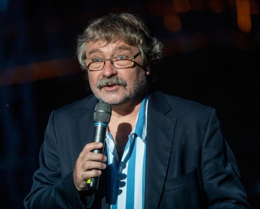 Seregi Zoltán az orvosok tiszteletére rendezett Köszönjük Magyarország, Köszönjük Orvosok! című zenés szabadtéri esten a Szarvasi Vízi Színházban 2020. június 13-án.