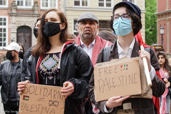 Palesztinok tüntetnek a szabadságért