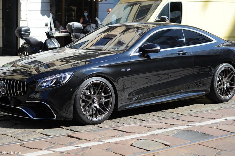A járműve pedig egy Mercedes V8 AMG S63 turbo, ami a képeket biztosító ügynökség szerint 200 ezer euróba kerül