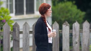 Lényegretörő minilapozgató: Rose Leslie Az időutazó feleségét forgatja