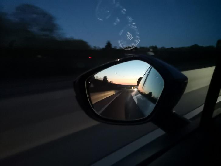 A hajnal eljön, de az Astonban elég gyors vagyok, hogy én döntsem el, hol érjen