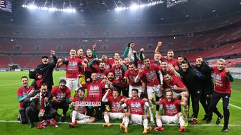 Nem térdel le a magyar futballválogatott az Eb-meccsek előtt