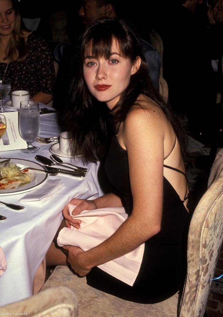 1990, a Beverly Hills 90210-ben szerepelt