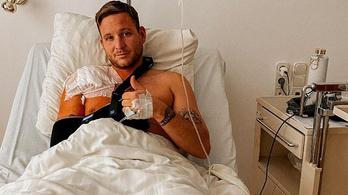 Súlyos baleset érte Istenes Bencét, kórházban ápolják