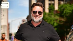 Russell Crowe húsz éve őrizgeti ezt az ajándékot, amit egy rajongójától kapott