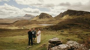 Ez a skót pár Skye szigetére vonult el összeházasodni, hát már csak a fotókért is megérte