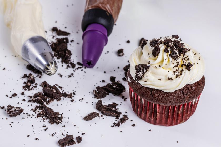Isteni oreós muffin, ami egyszerre krémes és ropogós