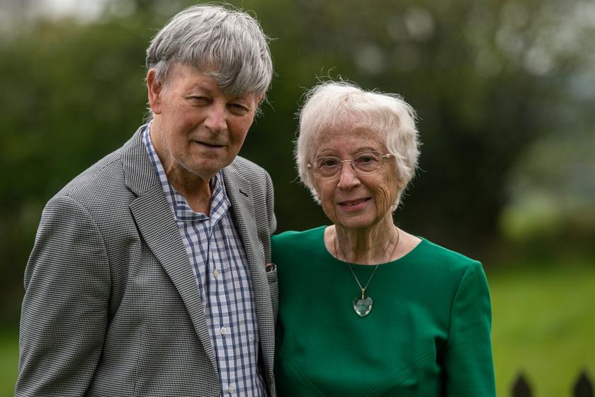 75 évvel később kereste fel gyermekkori szerelmét a férfi: a 81 éves Tony és a 80 éves Gloria megható története