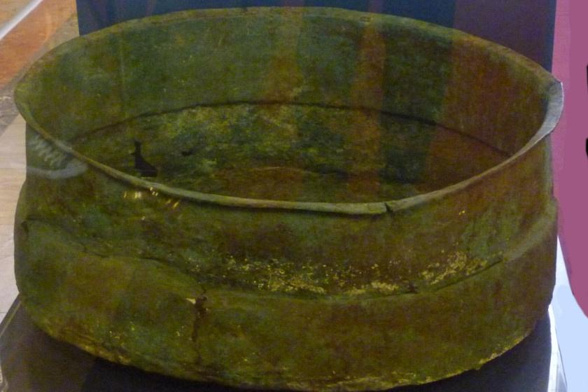 Az egyik üst, amiben Sümegh állítólag a kincsekre bukkant.