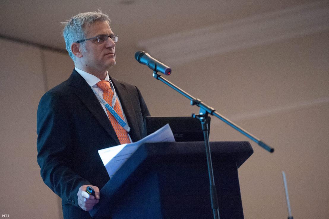 Jelasity Radován, a magyarországi Erste Bank elnök-vezérigazgatója egy nemzetközi konferencián 2013. március 26-án