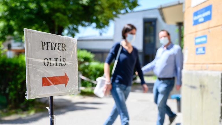 A svájci sajtmodellel lehet megállítani a vírust