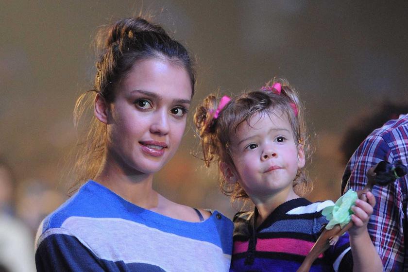 Jessica Alba 13 éves lányának szépségétől nem jutunk szóhoz: Honor tiszta anyja
