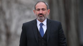 Saját fiát ajánlotta fel túsznak az örmény kormányfő