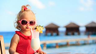 Ennyit kéne valójában innia a gyerekednek nyáron: az agyára is hatással van, ha szomjas