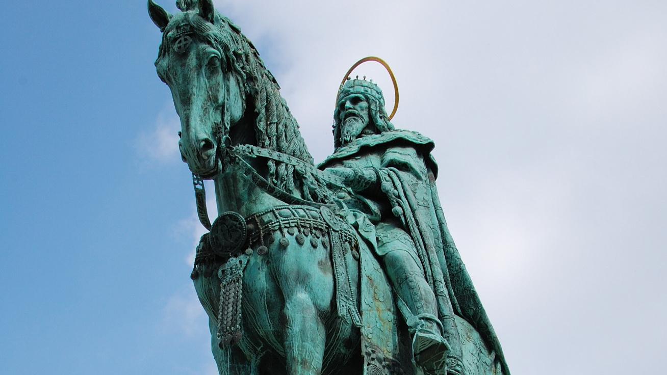 Kvíz a magyar királyokról: I. Szent István melyik uralkodóházhoz tartozott?