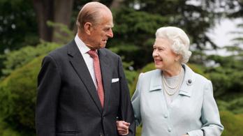 """II. Erzsébet """"edinburgh-i herceg"""" rózsákat ültetett Fülöp 100. születésnapján"""