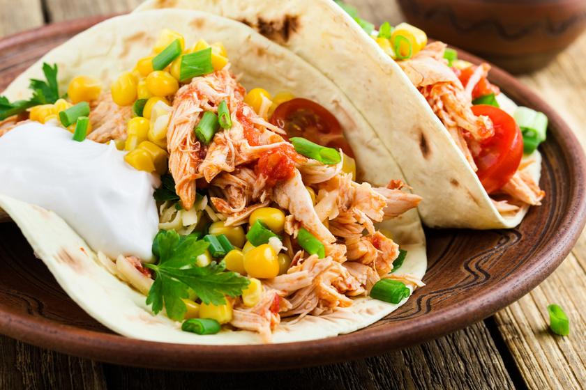Mexikói csirkés tortillatekercs: fűszeres finomság kevés munkával