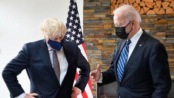 Biden és Boris Johnson egymásra találásával indult a G7-csúcs