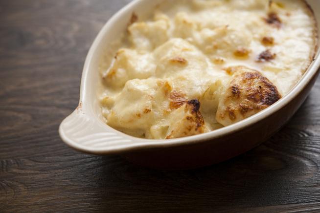 Bármelyik kedvenc sajtod mehet bele.