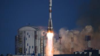 Oroszország fejlett műholdat akar eladni Iránnak