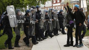Amerika legbrutálisabb rendőreiről készít sorozatot a Drót atyja