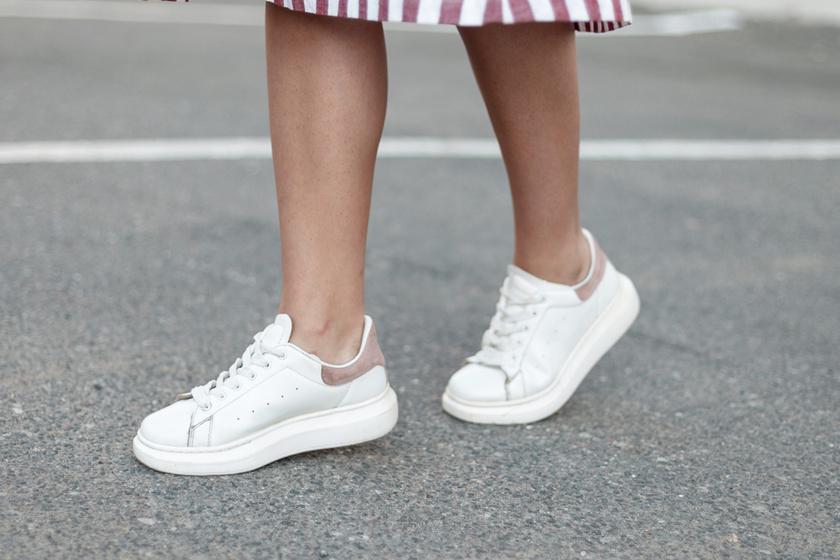 10 igazán csinos és kényelmes fehér sportcipő nyárra: árakkal, lelőhelyekkel mutatjuk őket