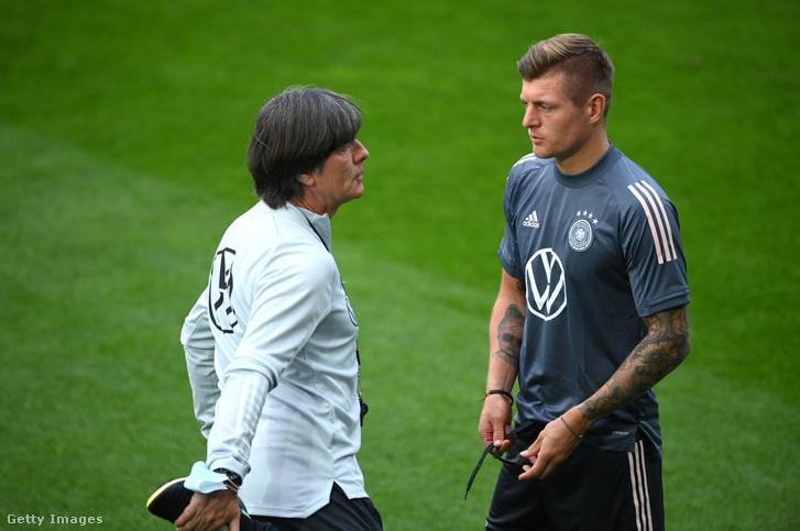 Joachim Löw és Toni Kroos