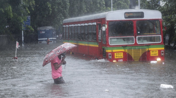 Ítéletidő tombol Mumbaiban, sokan még a romok alatt