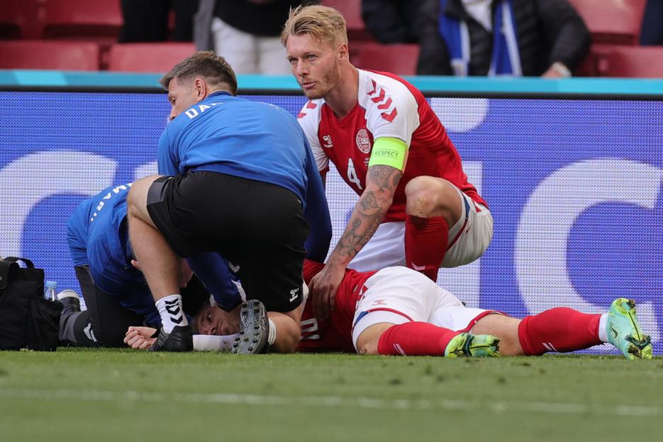 Dánia büszke kapitányára, aki életet mentett, vigasztalt, majd visszavitte csapatát az Eb-re