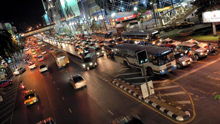 A bangkoki pazar éjszakák után újra kitört a járvány