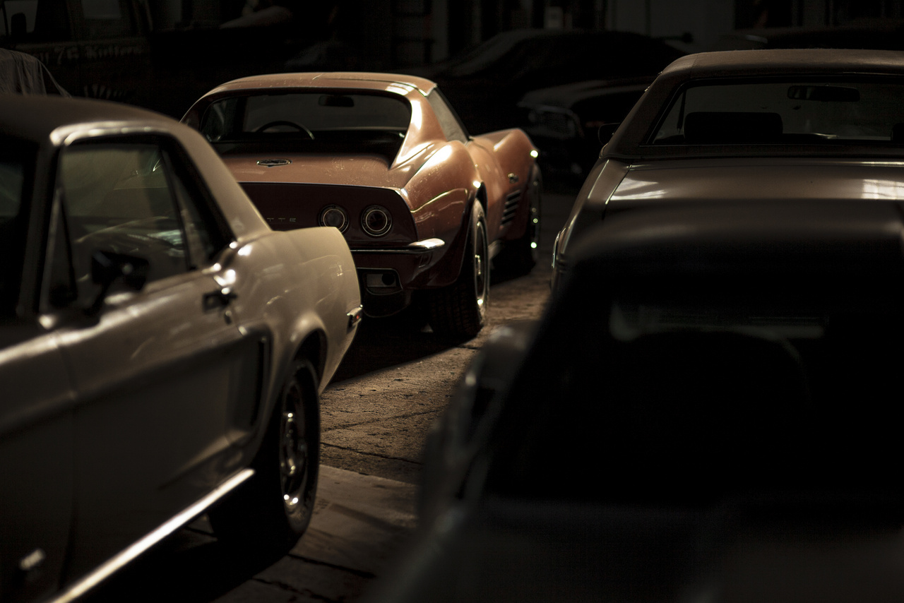 Chevrolet Corvette C3 és egy kis Ford Mustang