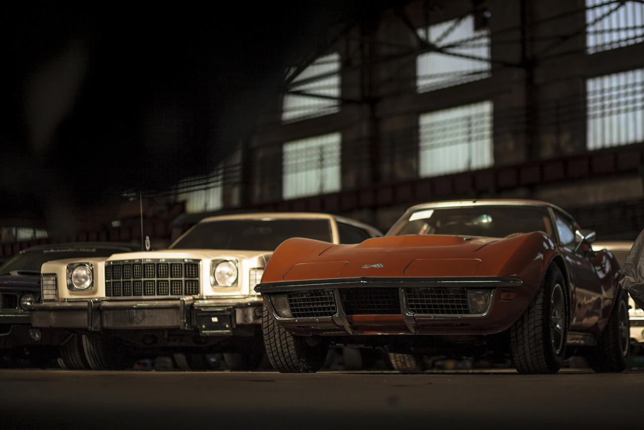 Ford Gran Torino Elite és Chevrolet Corvette C3