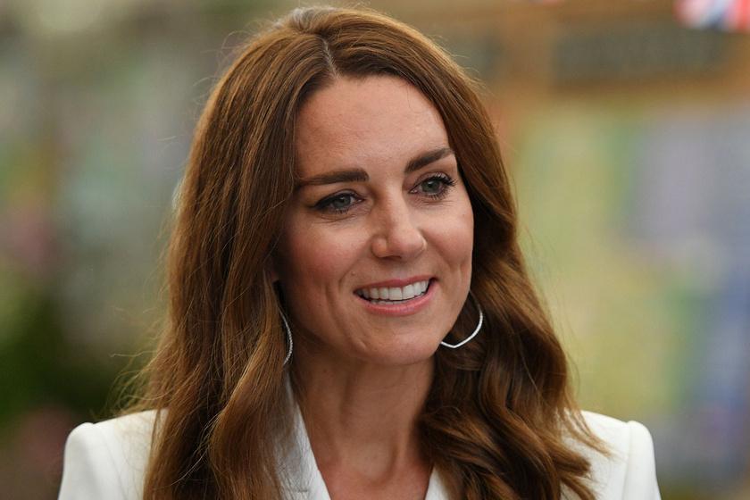 Katalin hercegné gyönyörűen festett hófehér ruhájában: Diana ékszerét viselte hozzá