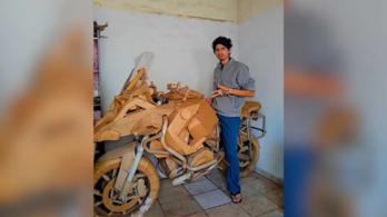 Ez a srác kartonból épített magának BMW-t