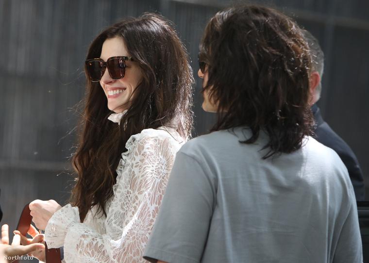 Nemrég már írtuk, hogy Anne Hathaway és Jared Leto New Yorkban forgatnak egy sorozatot, az a címe, hogy WeCrashed.