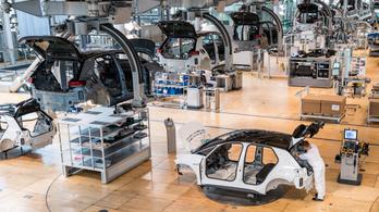 Felpörögtek áprilisban az autógyárak