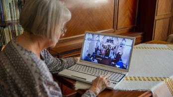 Másfél millió ember nem internetezik Magyarországon