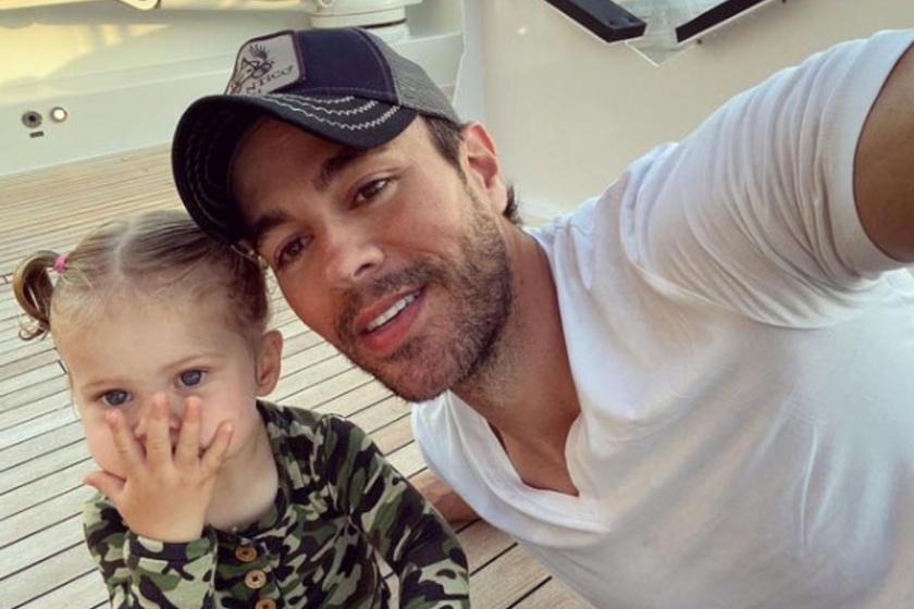 Enrique Iglesias ezzel az édes apa-lánya szelfivel jelentette be, hogy dolgozik valami új projekten.