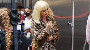 Forgatási képek: Anne Hathaway rémisztően összezúzott arccal jár-kel New Yorkban