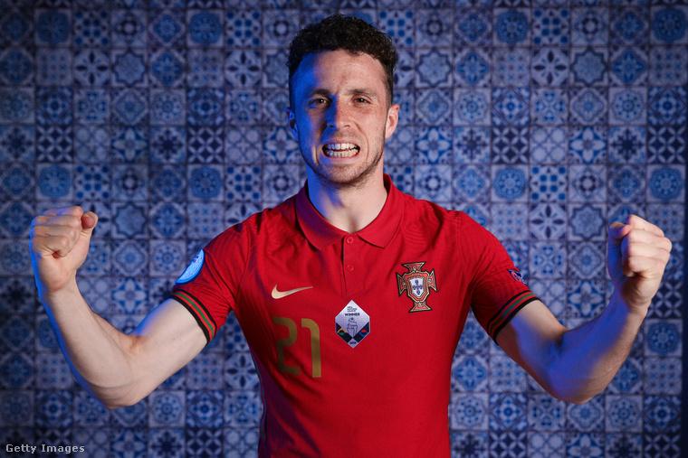Egy másik 24 éves játékos következik: Diogo Jota, akinek a teljes neve Diogo José Teixeira da Silva.