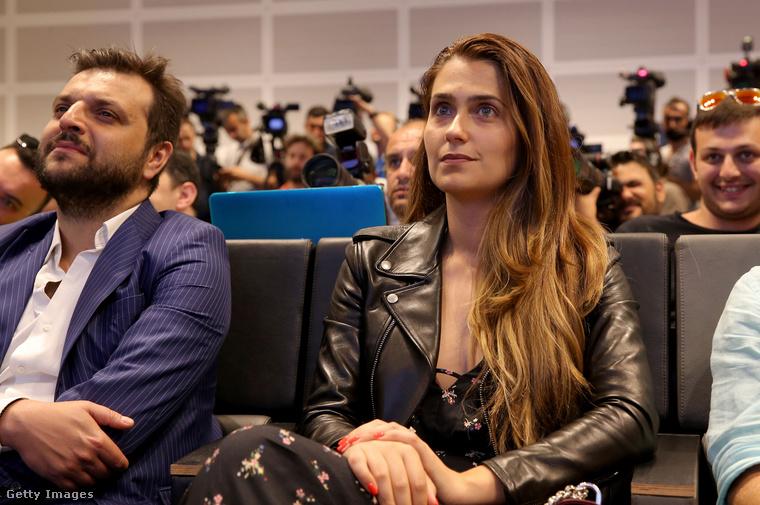 Ő Ana Sofia Moreira, ez a kép férje 2017-es átigazolásakor készült róla