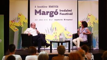 Az olvasók átölelték Margót, és haza is vitték