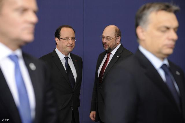 Francois Hollande és Martin Schulcz, az előtérben Donald Tusk és Orbán Viktor