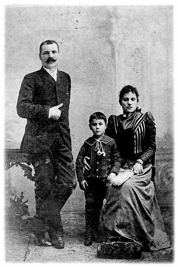A Baracca házaspár, Enrico és Paolina a még gyermek Francescóval
