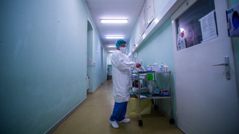 Sok szakdolgozó hagyhatja el az egészségügyet