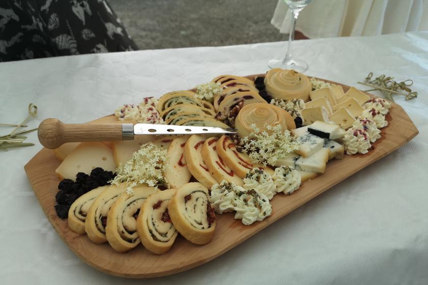 sajtok Makó