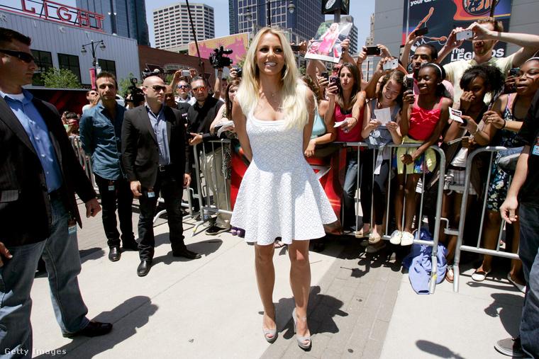 Britney Spears 2012. június 8-án, a Kansas Cityben tartott X Factor-meghallgatáson